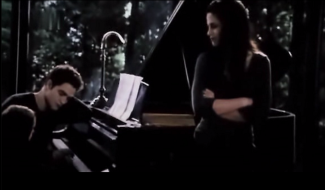 File:Child renesmee19.PNG