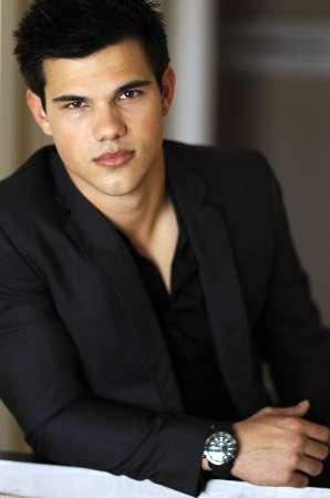 File:Taylor Lautner!!!.jpg