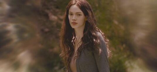 640px-BD1- Renesmee Grown Up 3