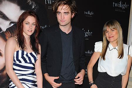 File:Twilight premiere paris.jpg
