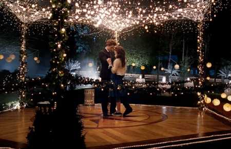 File:Edward-bella-at-prom.jpg