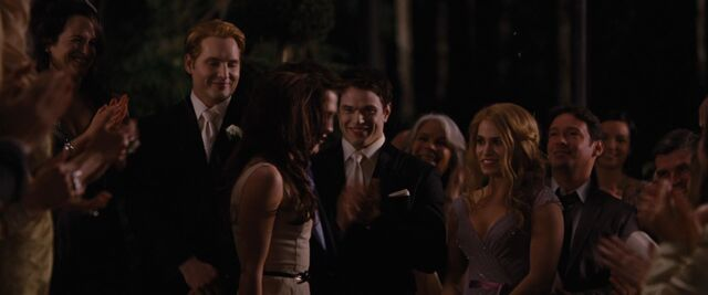 File:Breaking-Dawn-Part-1-screencaps-emmett-and-rosalie-29787582-1920-800.jpg