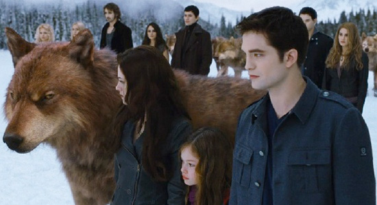 File:Twilight-breakingdawn2-jacobbellaedward-finalfight-full.jpg
