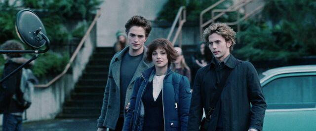 File:Twilight-Movie-Screencaps-HQ-alice-cullen-15678719-1280-720.jpg