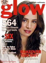 File:ImagesCAYRQE6ZMia Maestro in 'Glow' Magazine.jpg
