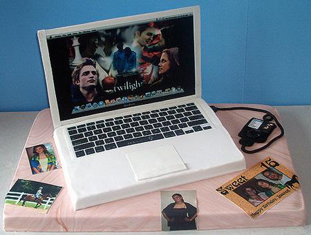 File:Twilight themed macbook cake.jpg