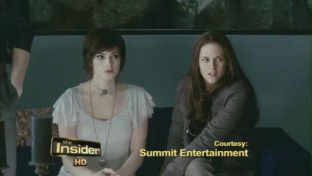 File:Eclipse-Official-Clip-Blood-is-Thicker-Than-Water-alice-cullen-12845141-848-480.jpg