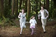 Edward-s-little-family-edward-bella-and-renesmee-14615645-598-398