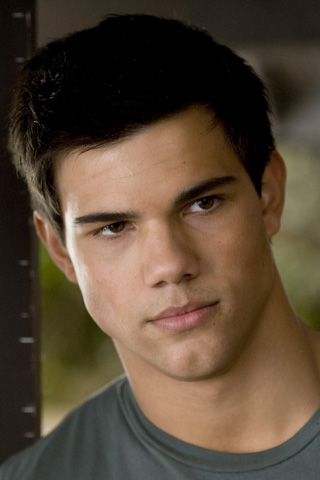 File:Jacob-black-t-shirt320x480.jpg