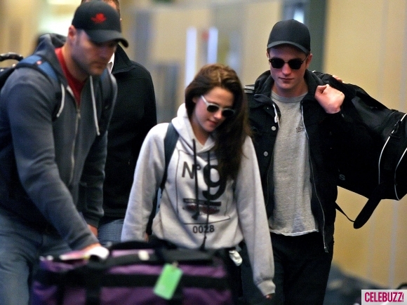 File:8Robert-Pattinson-Kristen-Stewart-050312--580x435.jpg