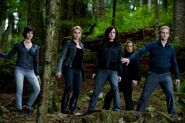 The-twilight-saga-eclipse-cullens-550x365