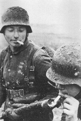 File:German soldiers 20.jpg