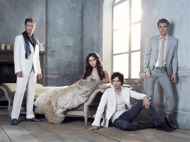 File:Vampire-diaries-season-3-promotional-photo-6.jpg