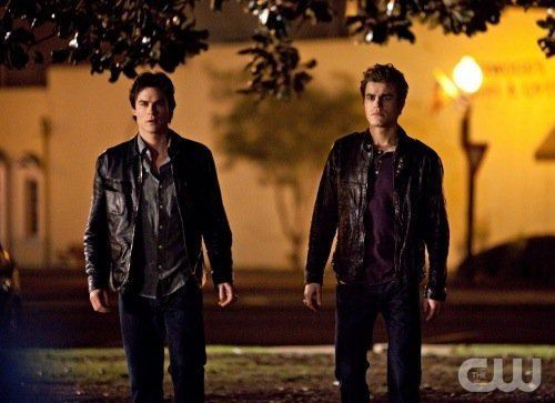 File:Nuevo-Still-Dia-del-Fundador-the-vampire-diaries-tv-show-11986560-500-363.jpg