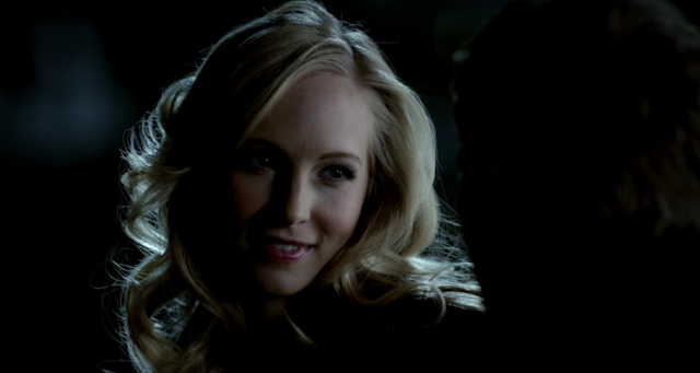 File:Caroline smiling to Klaus 3x15.png