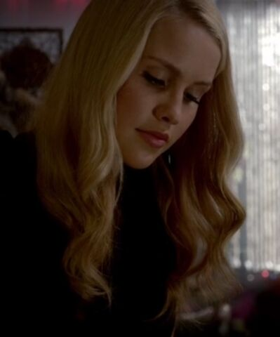 File:Rebekah 14 TO 1x03.jpg