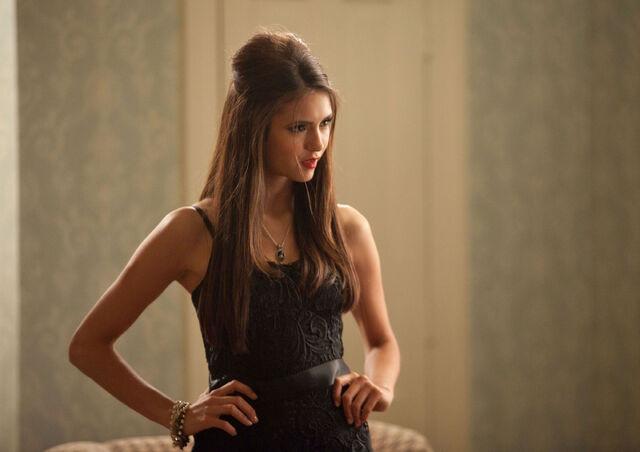 File:Vampire-diaries-season-2-masquerade (26).jpg