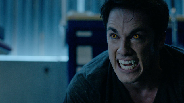 File:7x14 - Tyler's wolf eyes.png