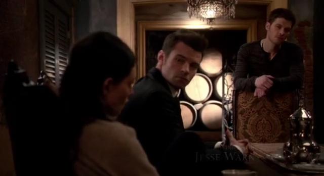 File:Hayley-Elijah-Klaus 2x18...png