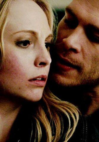 File:Caroline and Klaus 3x21.,..jpg