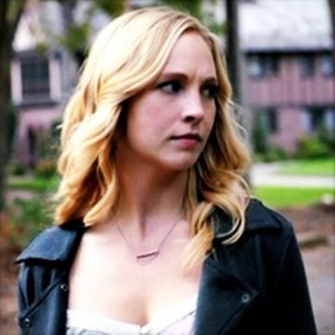 File:Caroline in episode 100.,.,.jpg