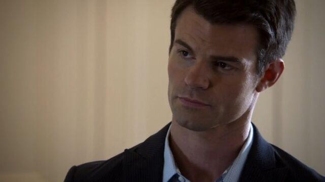 File:Elijah 3 TO 1x06.jpg