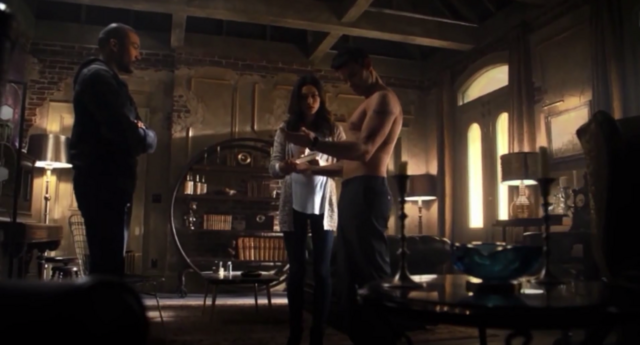 File:Marcel-Hayley-Elijah 1x14...png