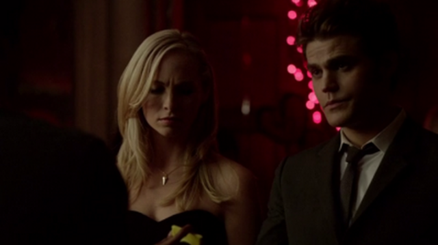 File:Caroline and Stefan in 5x13.png