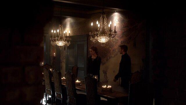 File:The Originals S01E21 mkv1240.jpg