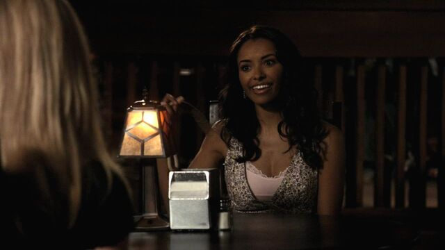 File:Bonnie - 1x04.jpg