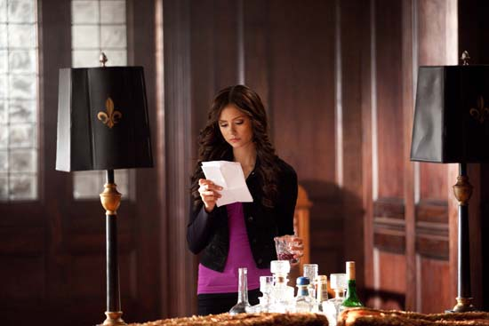 File:Vampire-diaries-season-2-memory-lane-bts-photos-11.jpg