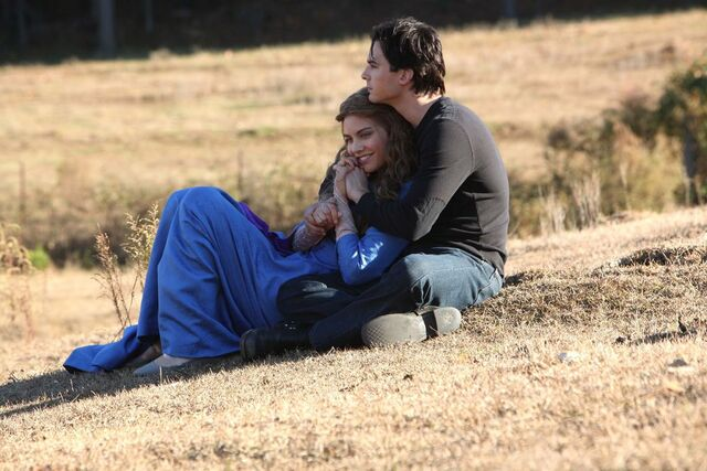 File:Damon & Rose in Dream.jpg