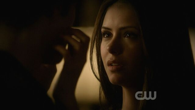 File:Episode-1-10-The-Turning-Point-stefan-and-elena-9361035-1280-720.jpg