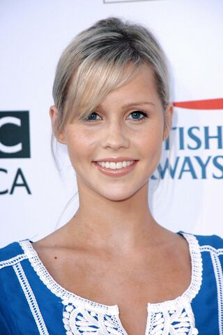 File:936full-claire-holt5767.jpg