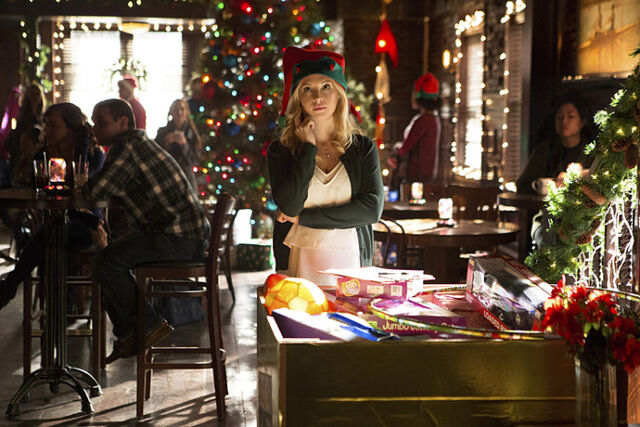 File:Rs 560x374-151120125225-1024.4.The-Vampire-Diaries-Holiday.jl.112015.jpg