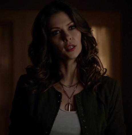 File:Zara-linen-tank-top-and-the-vampire-diaries-gallery (2).png