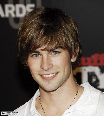 File:Chace-Crawford-chace-crawford-10182111-540-600.jpg