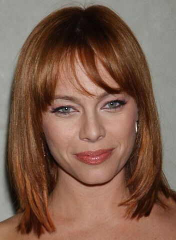 File:Melinda-clarke-bob-layered-straight-red.jpg