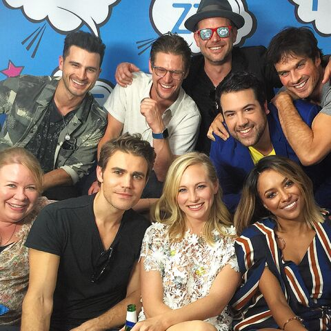 File:2016-07-23 SDCC TVLine Julie Plec Michael Malarkey Zach Roerig Paul Wesley Matt Davis Candice King Ian Somerhalder Kat Graham Andy Swift Twitter.jpg