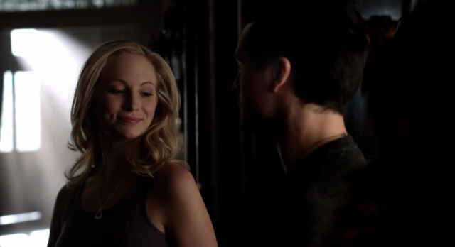 File:Caroline and Enzo in 5x18.png