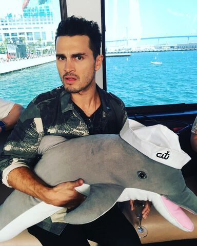 File:2016-07-23 Michael Malarkey Instagram.jpg