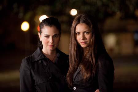 File:Vampire-diaries-isobel-behind-the-scenes-5.jpg