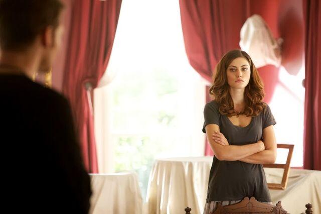 File:Pheobe Tonkin as Hayley in The Originals.jpg
