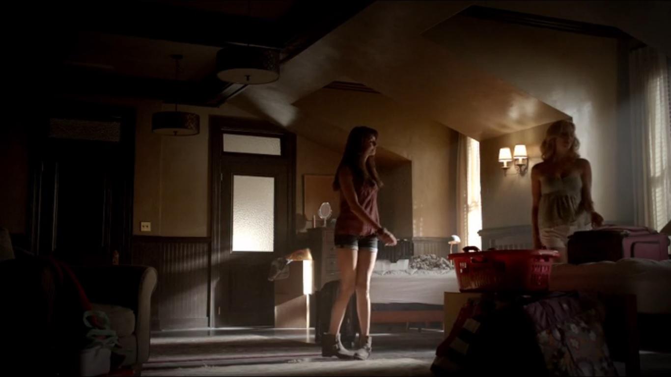 elena caroline and bonnie 39 s dorm room the vampire