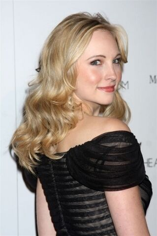 File:New-photos-of-Candice-at-the-2011-Art-of-Elysium-Heaven-Gala-candice-accola-18517930-333-500.jpg