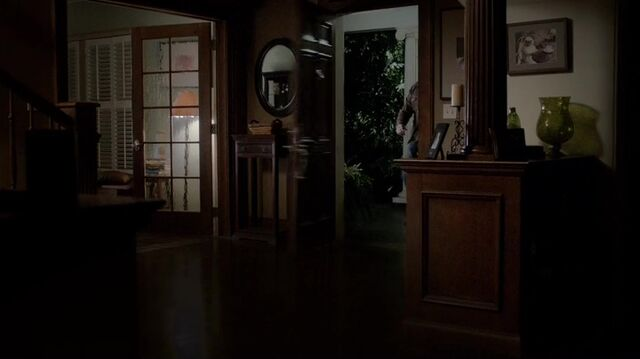 File:TVD4x12-Gilbert House 21.jpg