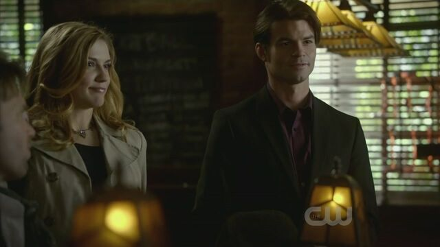 File:Elijah-2x15-The-Dinner-Party-elijah-19424796-1280-720.jpg