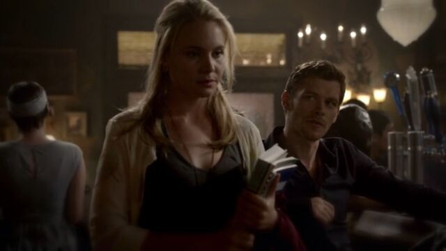 File:Klaus and Camille TO 1x02.jpg