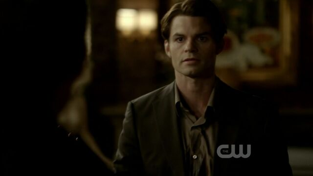 File:3x12-The-Ties-That-Bind-elijah-28463058-1280-720.jpg