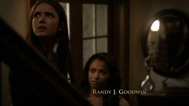 File:Elena and Bonnie.jpg